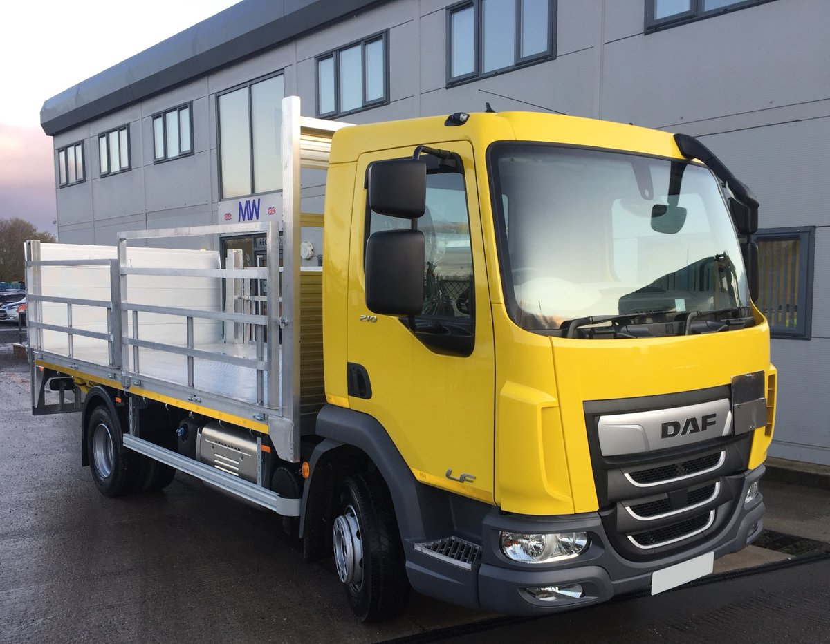 test Twitter Media - DAF LF Aluminium dropside body for gas bottle carrying.   DEL 1000kg Column tail lift,  Haz Chem spec.   With thanks to Rectory Gas Supplies & @mctruckandvan   @DAFTrucksUK  #DAF #DAFLF #Dropsider #GasBottleCarrier #DELTailLift #ColumnTailLift  #HazChemSpec https://t.co/on4Cs1zCG6