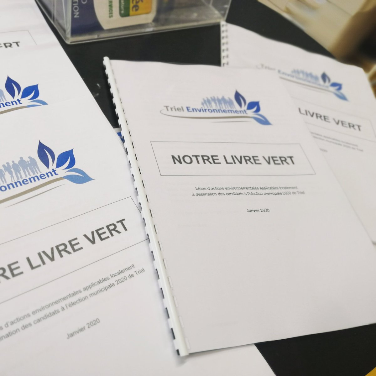 Tout chaud tout prêt à être remis aux candidats à la mairie de Triel #LivreVert  #municipales2020 #TransitionEcologique #triel #trielsurseine #trielenvironnement