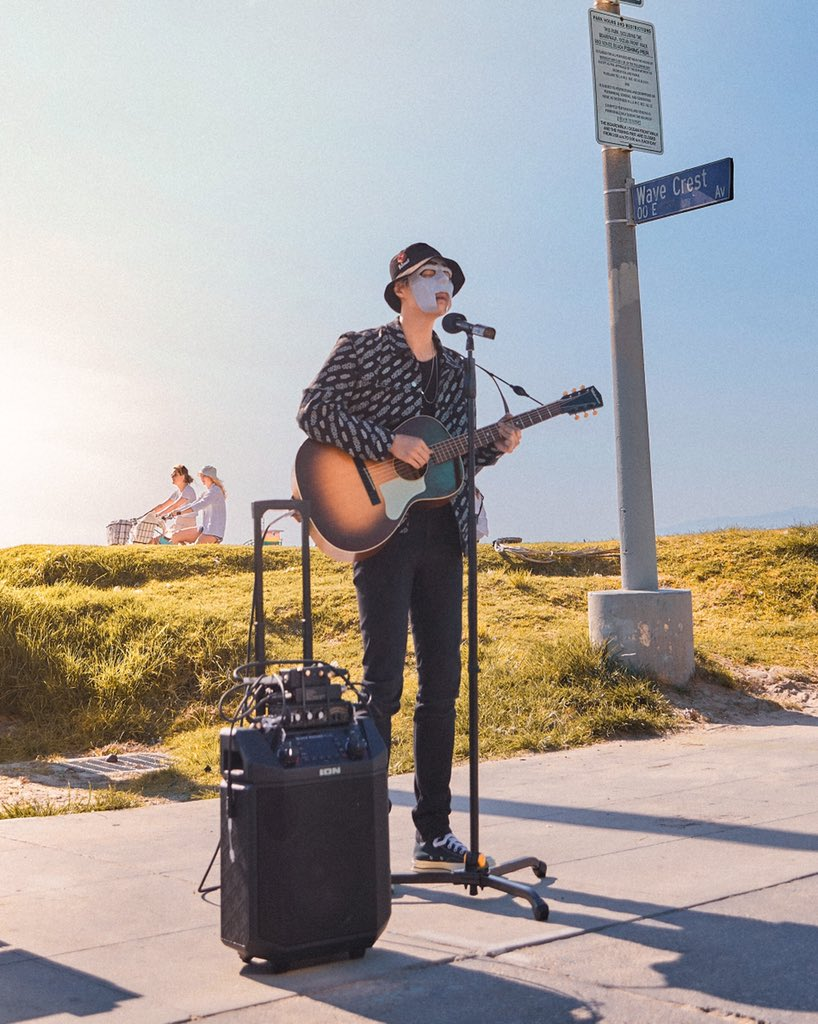 This was my first time doing a street performance. It was not easy, but if you dont take risks youll never know what you can achieve! #venicebeach