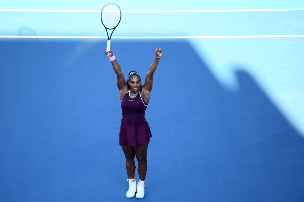 Serena Williams just won her first singles tournament since giving birth.   She donated her $43,000 winnings from the ASB Classic in Auckland, New Zealand to victims of Australia's devastating bushfires <br>http://pic.twitter.com/KGFgVuHBot