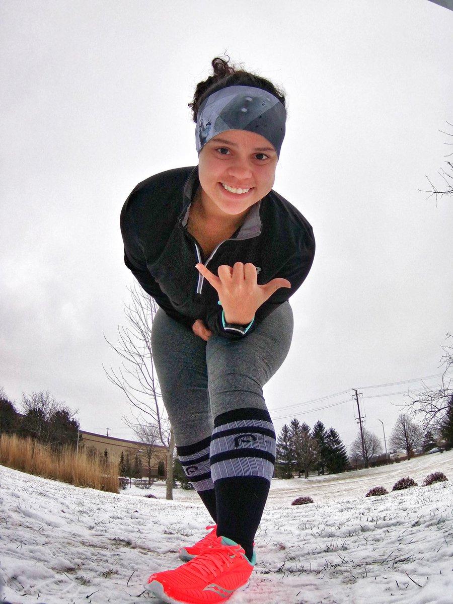 Happy Monday twitter family! Kicking off the week with a 3 miler! Gym later! #bibchat #beatyesterday #runforgood #procompressionambassador #buff #halfmarathontraining #chicagorunner<br>http://pic.twitter.com/lJD6avmtxX