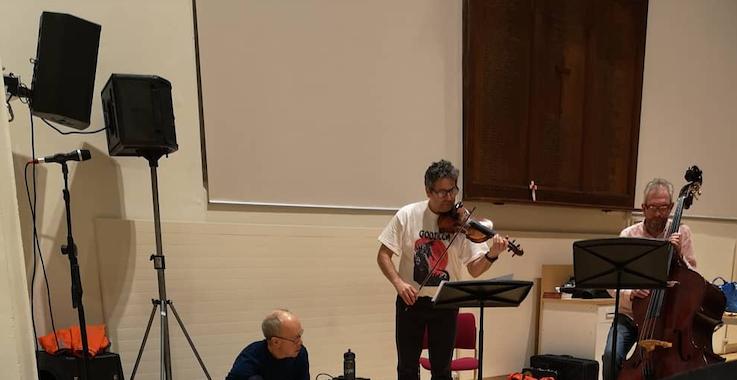 Free Range Orchestra Rehearsal playing through work bySo27   @SophieStone27 & @JoeInkpen  #Godzilla #freeimprovisation #canterburypic.twitter.com/nCDVsQ7TO7
