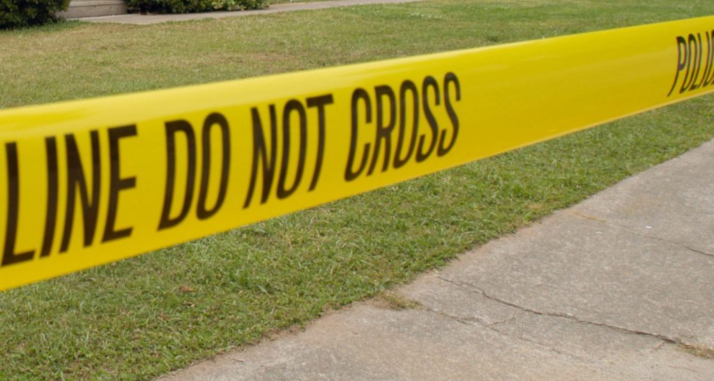 Man Who Died After Crashing Into Tree In Gary Had Been Shot, Police Say chicago.cbslocal.com/2020/01/13/gar…