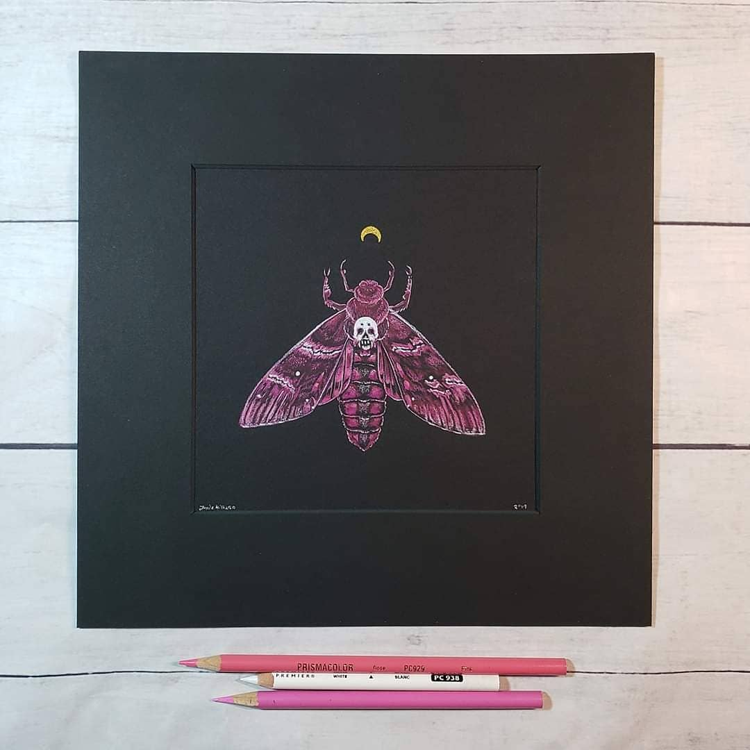 Death Head Moth One of two pieces that I have in the @ChangelingArt Monochrome art auction this month!  #deathheadmoth #moth #pink #colorpink #monochrome #monochromatic #monochromaticart #witchyart #witchaesthetic #insectart #skull #moonpic.twitter.com/U5PCc0pfaz