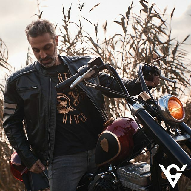 """""""Yesterday is history, tomorrow is a mystery; Ride and live today"""" @vikingcycle  @martinirider - - - #vikingcycle#teamvikingcycle#teamvc#jacketbiker#motorcyclemafia #motorcyclemadness #motorcyclesofinstagram #motorcycleadventure #instamotorcycles #m… https://ift.tt/2uMA7gjpic.twitter.com/tb8WGof3QW"""