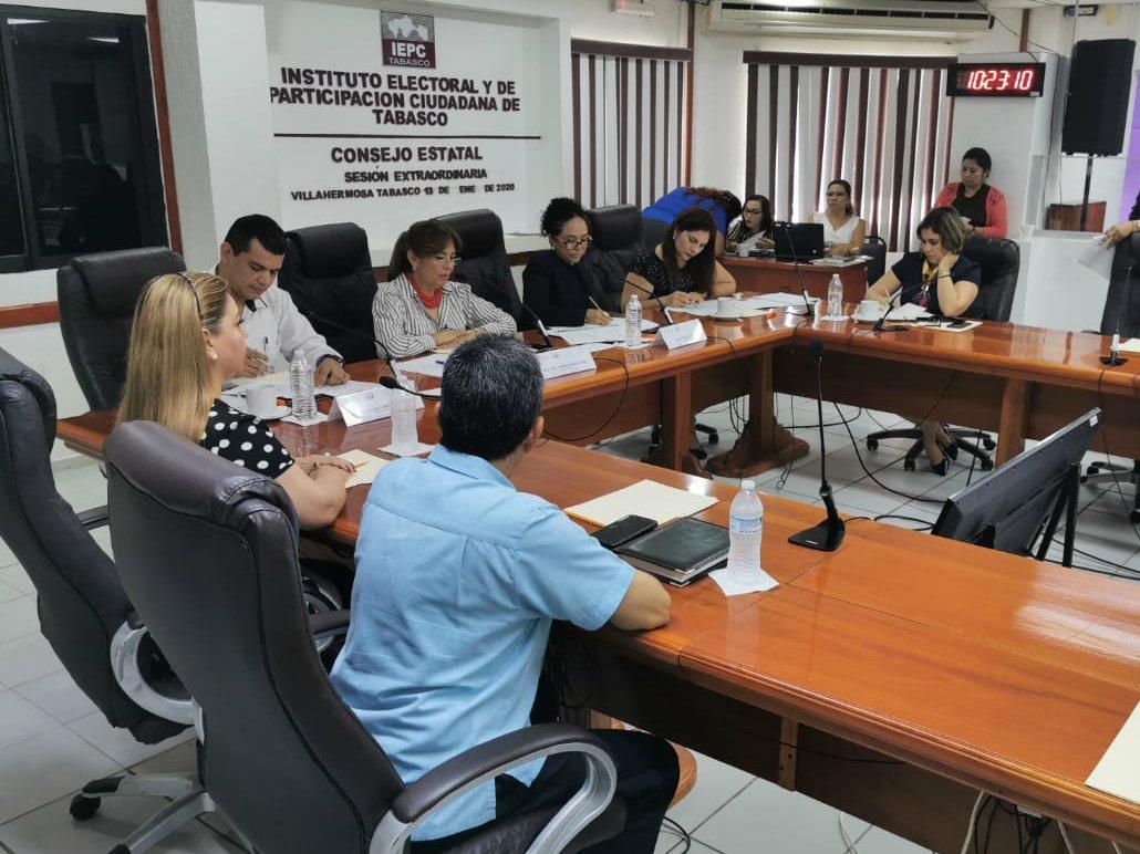 En Sesión Extraordinaria los Integrantes Permanentes del @OPPMTabasco aprobaron las modificaciones al Protocolo para atender la violencia política contra las mujeres en razón de género del Estado de Tabasco; ampliándose su Marco Normativo e incluyendo un Directorio de atención.