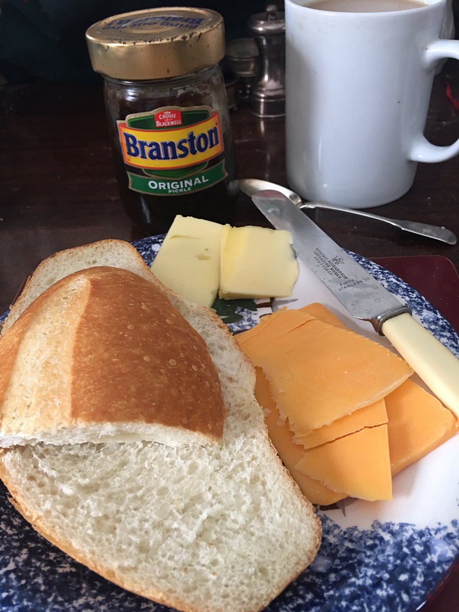 A delicious early lunch, a bakery fresh roll, Irish butter, 5 yr old WI Cheddar from a 110 yr old cooperative, Maple Leaf Cheese, and some @BranstonUK, to round out the offering. Thinking of all my Irish & UK friends and the simple pleasures that unite us. Stay well.