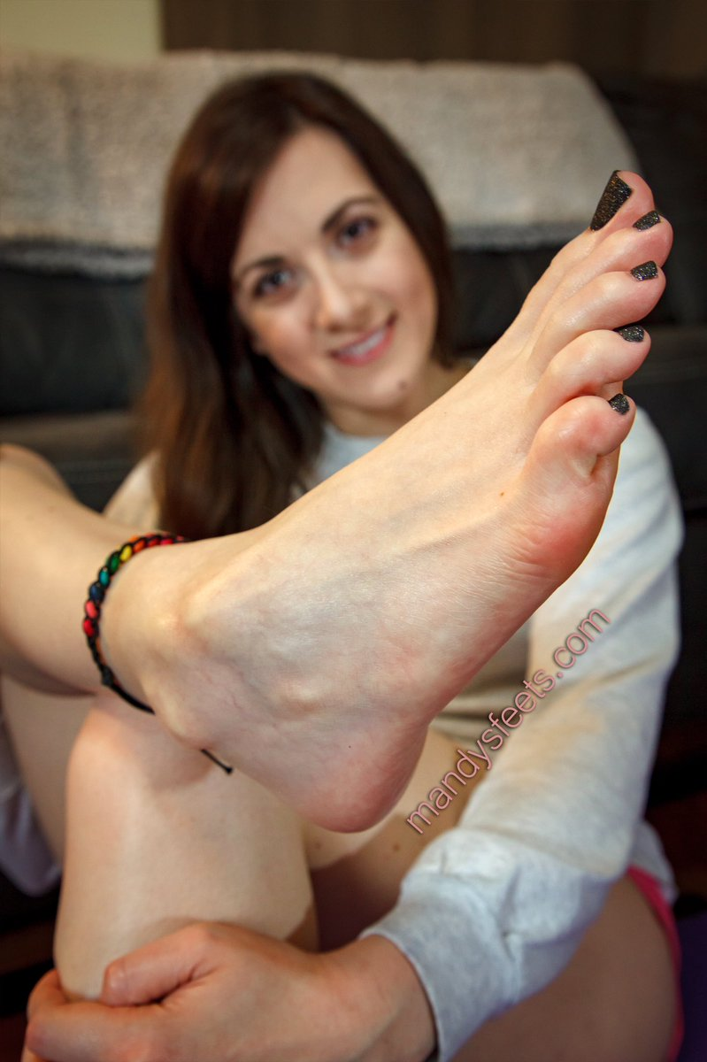 In your face 😀#prettyfeet