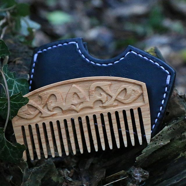 Wooden Viking comb comes in 3 wood essences and here is the Oak version. Order your copy here: http://bit.ly/2FfOLi6  #woodcarvingart #woodcarving #hairaccessory #vikingdesign #carvingwood #handmade #vikingcomb #combs #bearded #vikingstrong #strongmen … https://ift.tt/2QQIsZ1 pic.twitter.com/FY3vfxHPls