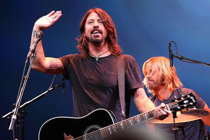 Happy Birthday to noted badass Dave Grohl.