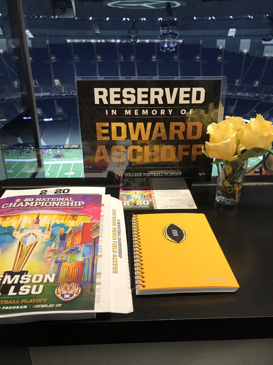 Wonderful gesture here in the press box for the national championship game. Thank you @CFBPlayoff