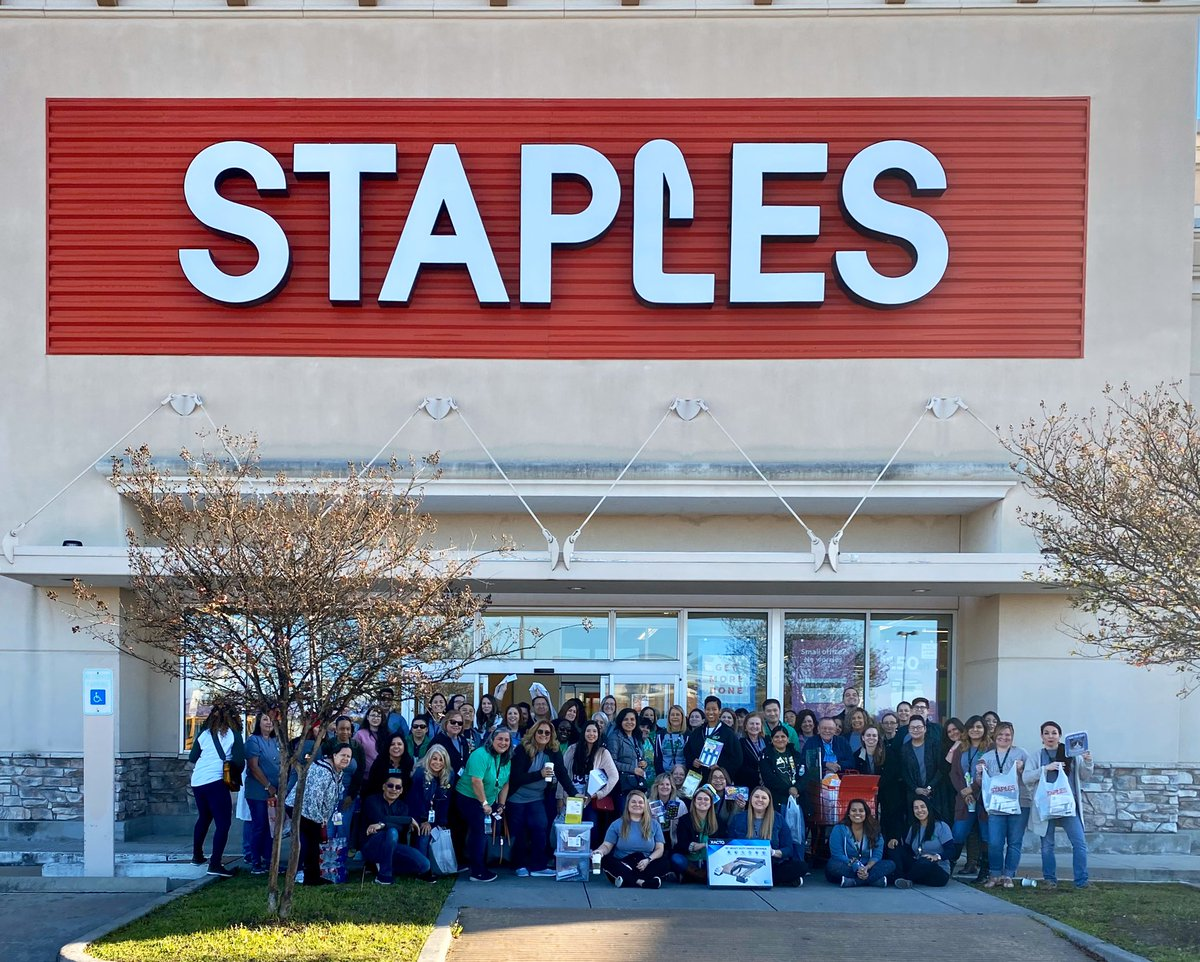 A week ago today...the best of the best @bcecougars staff went on a $10K shopping spree together! Big thanks to @aqua313- 3rd grade teacher & team leader- for being nominated & chosen as 1 of 10 in the nation! @StaplesStores #ThankaTeacher @katyisd @vkwash #katyisd #WeLeadTX https://t.co/6TnCeWEf7h