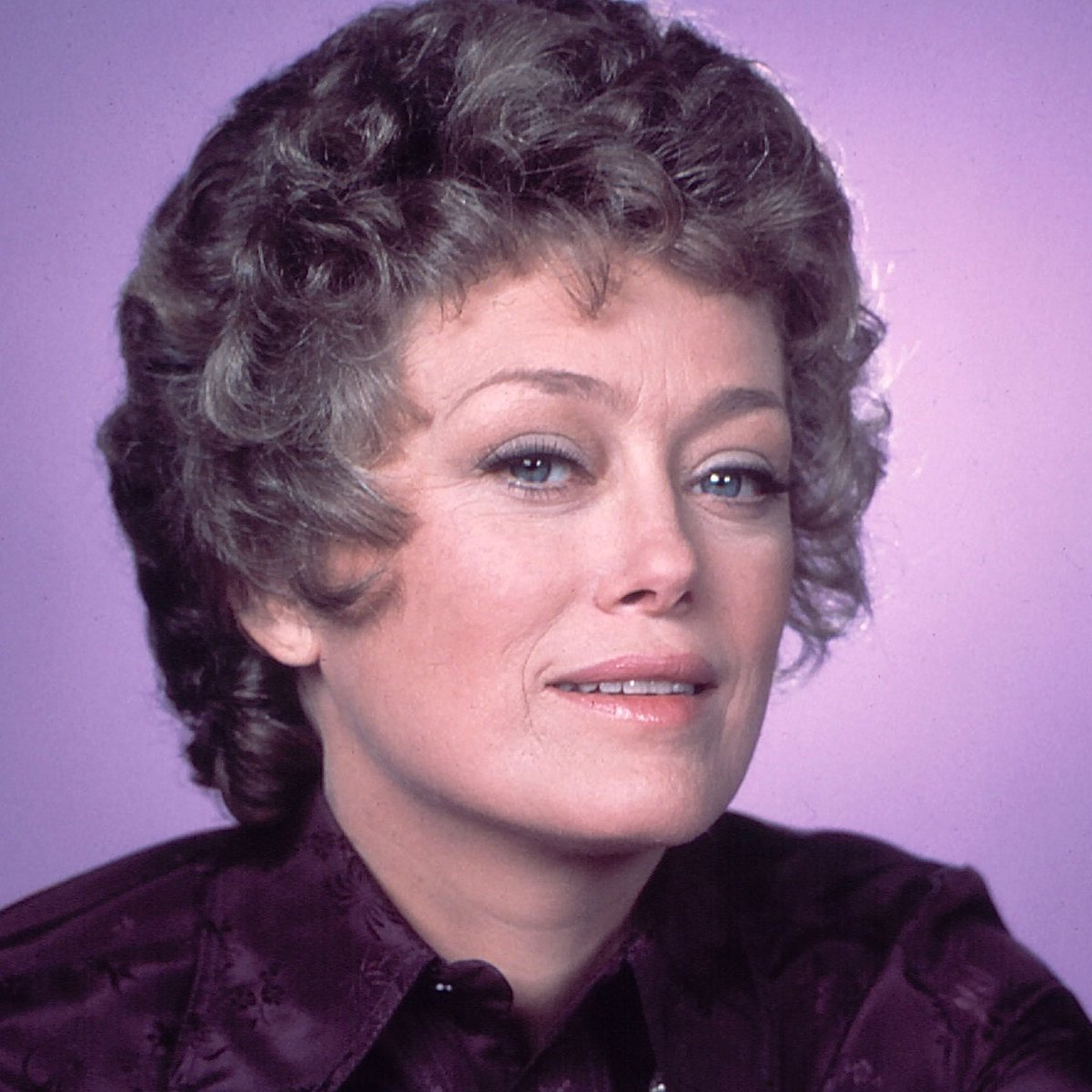 #RueMcClanahan (1934–2010) was an Emmy winner and a familiar face for 50 years.   See her on ALL IN THE FAMILY — 9p ET on @gettv!  What's your favorite role?<br>http://pic.twitter.com/V3U00JYWsj