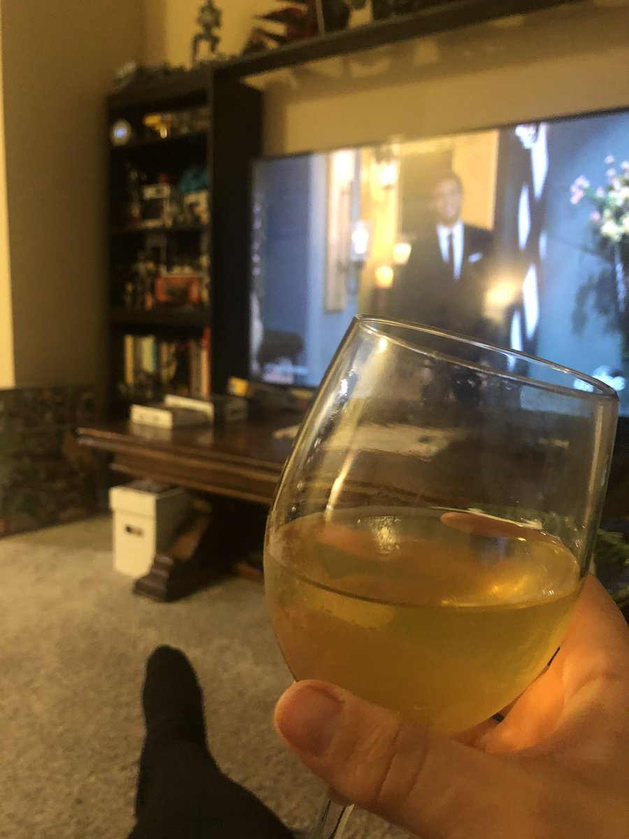 test Twitter Media - It's a low-carb pizza and sugar-free bubbly pineapple water kinda night! #gestationaldiabetes  #TheBachelor https://t.co/xdsz46NlFO