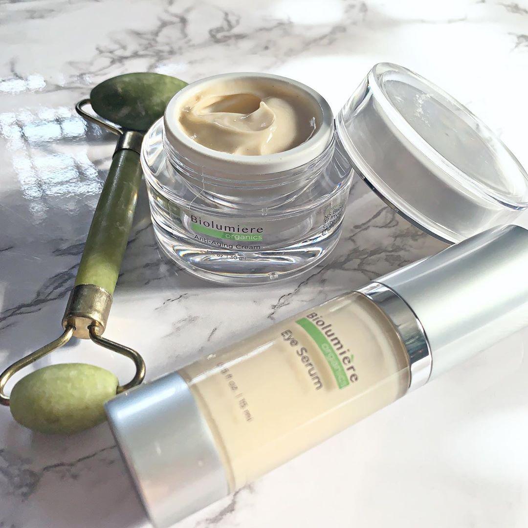 These are life's essentials; your must-haves! | https://biolumiereorganics.com/products/organic-eye-serum-moisturizer-bundle… . . .  #BiolumièreOrganics #skincare #mind #body #soul #bebeautiful #allnatural #nicollettesheridan #natural #skin #organic #beauty #nicollette #biolumiere #regenerate #moisturizepic.twitter.com/BJ5FIm1PZV