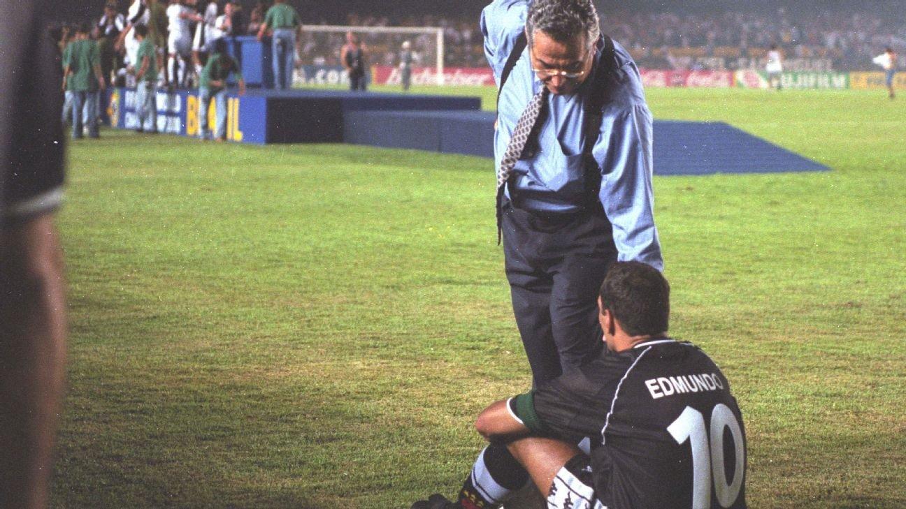Edmundo após a disputa de pênaltis no Mundial de 2000
