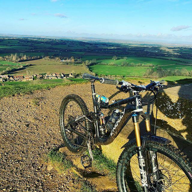 Can we get back to some blue skies yet? . . . #mtb #bike #instabike #mtblife #mtblifestyle #knollybikes #knollyknation #cyclorise #louri #ridepackless #revgrips #ridefox #fox36 #ridefoxuk #schwalbetyresuk #schwalbe #mudhugger #sixthelement #ridemoremtb #… https://ift.tt/372Cx8Vpic.twitter.com/K4npYCoRLh