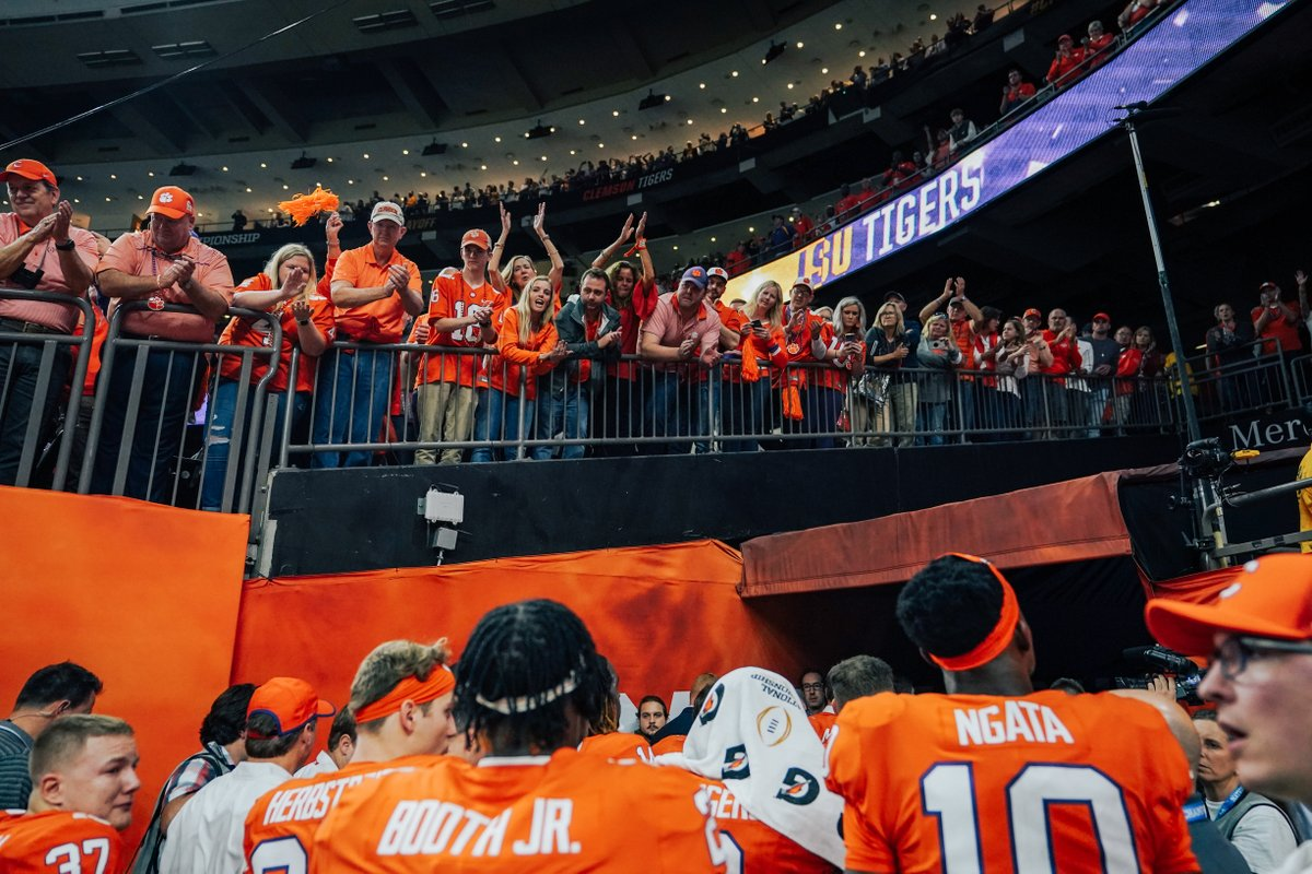 Thank you.  #ALLIN <br>http://pic.twitter.com/zFgzzpEPOZ