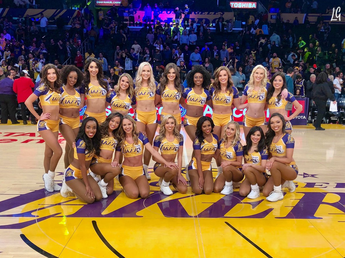 This is the greatest show! ✨#LakersWin
