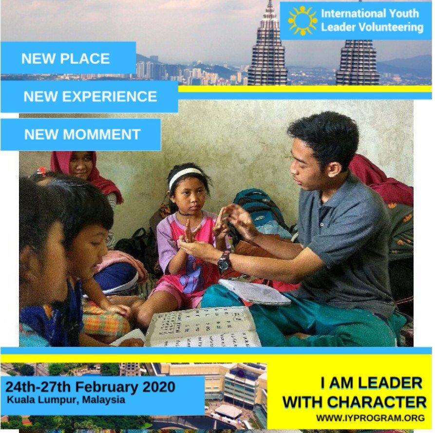 Menjadi guru bkn soal berbicara dan mengajar saja, tetapi juga harus menjadi pendengar yang baik. Mencoba memposisikan diri kita sepertinya, lalu berbagi pengalaman yang nantinya bisa membuat guru dan muridnya sama2 belajar.   #GoToMalaysia #KemenporaIndonesia #Iyprogrampic.twitter.com/wfqVv0U7Nk