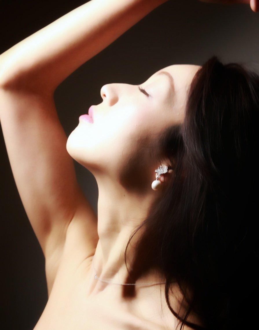 Studio shooting 更新しましたhttps://www.instagram.com/p/B7SzpSzn-mK/?igshid=v33ybeaj16r9… #studioshooting #shooting #hairmake #longhair #beauty #スタジオ撮影 #撮影 #ビューティー撮影 #ポートレート #作品撮り #ファインダー越しの世界 #ファインダー越しの私の世界 #ヘアメイク #横顔 #ブライダルモデル #モデル #八木岡弓美子pic.twitter.com/0qQahjV1ka