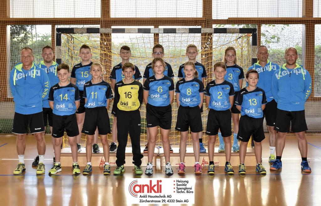 """Zwei Heimspiele und ein Heimspieltag! """"Handball total"""" am Wochenende im @bustelbach! https://tvstein.ch/index.php/news/987-zwei-heimspiele-und-ein-u13-spieltag… #tvstein #wirsindstein #handball #hoppsteipic.twitter.com/JUe04tdVpy"""