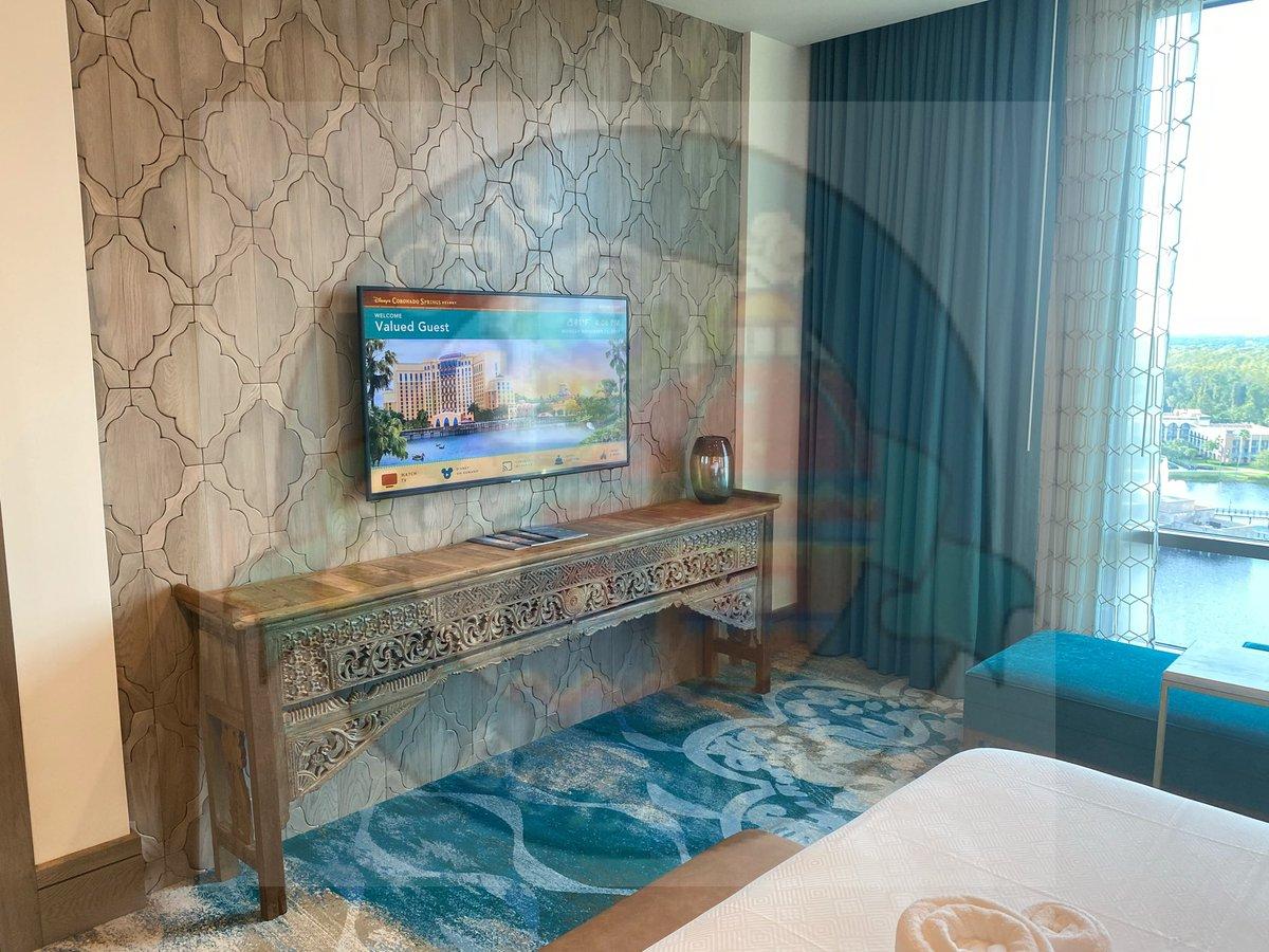 Photos of the Alcazar suite #2. #coronadospringsresort  #grandestinotowerpic.twitter.com/VUoVQHjseN
