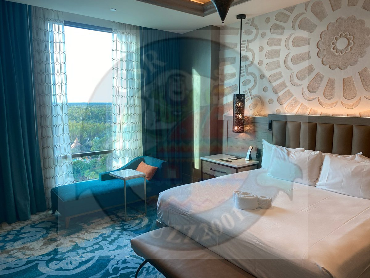 Photos of the Alcazar suite #4. #coronadospringsresort  #grandestinotowerpic.twitter.com/se5WwPY8LH