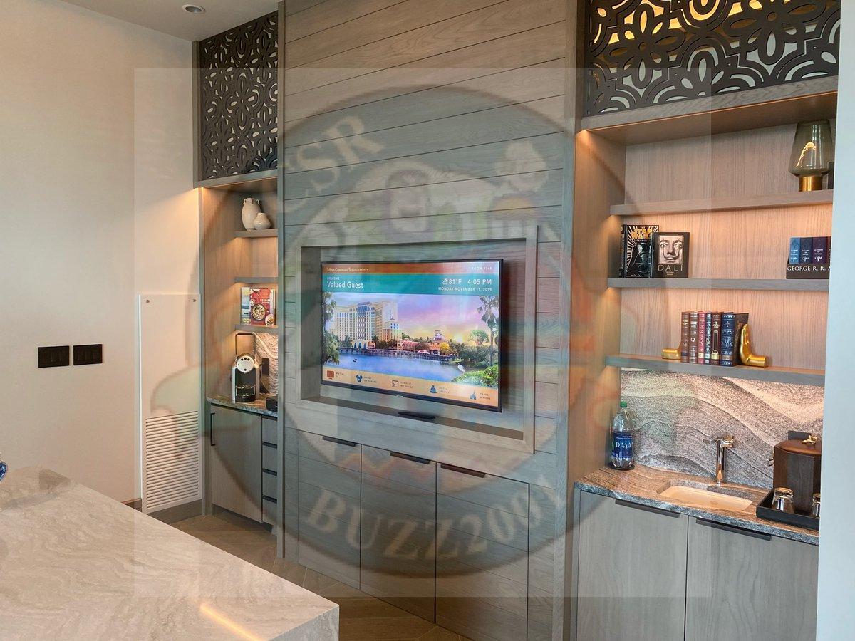 Photos of the Alcazar suite #3. #coronadospringsresort  #grandestinotowerpic.twitter.com/9DiTR6MFEU