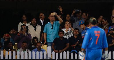 Retweet if you are missing Jersey No. 7  #INDvAUS #Dhoni #TeamIndia <br>http://pic.twitter.com/1XWngP5cel