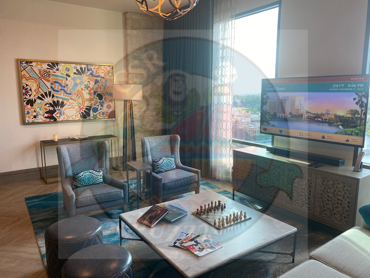 Photos of the Alcazar suite #1. #coronadospringsresort  #grandestinotowerpic.twitter.com/sbBJMCydRT