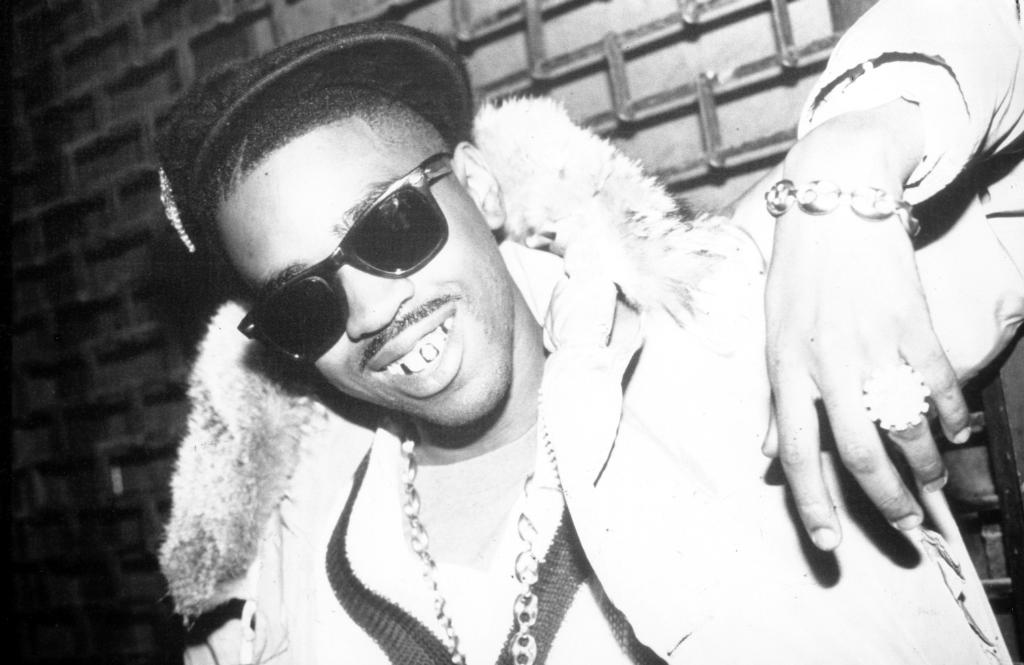 Happy Birthday Slick Rick! How many chains you have on today || Getty Images