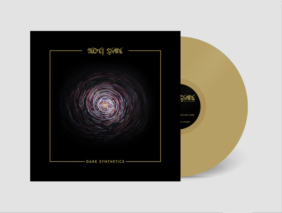 They have a limited-edition gold variant available *AND* they're selling 10 test pressings of the album, each of which come w/ a small random piece of art from their frontwoman Lena (there's already only 6 available, so GO GO GO!) pic.twitter.com/9yA5UvsiHg