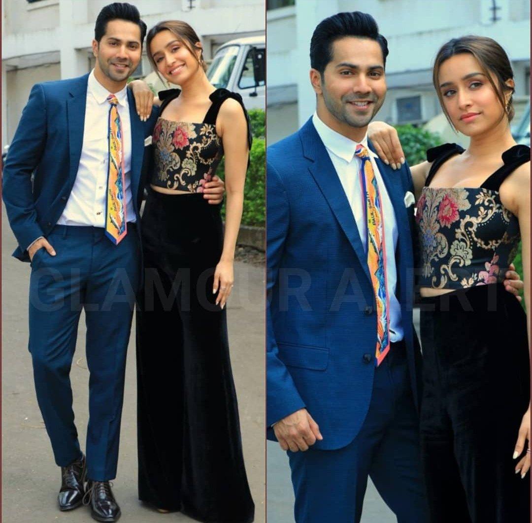 Batuk & Chirkut Couple Goals! #SD3Promotions #IndianIdol11pic.twitter.com/7AxCetGFTA