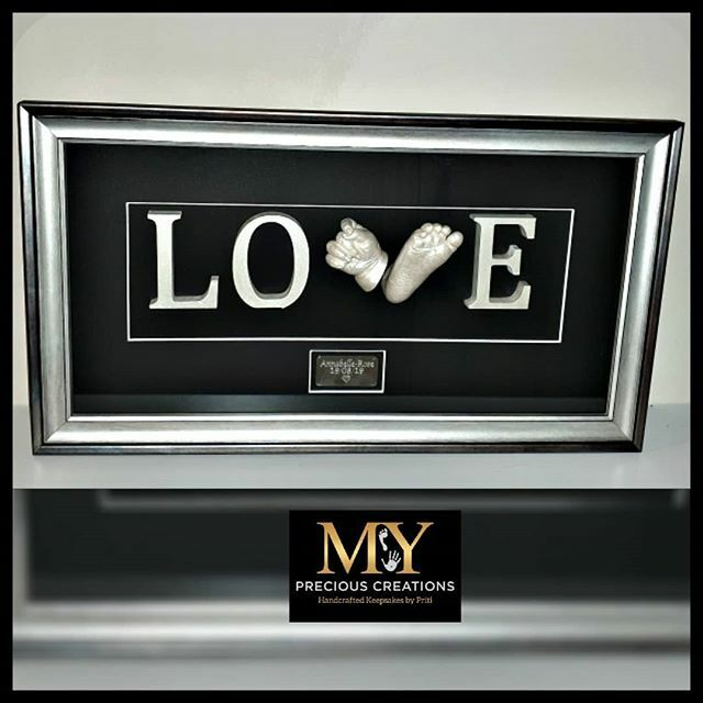 LOE This beautiful bespoke piece was a gift for Daddy.  #mypreciouscreations #love #3dcasting #hands #feet #handcasting #feetcasting #newbornbaby #newborn #baby #babyhand #babyfoot #footcasting #bespoke #pearl #pearlfinish #pearlpaint #handmade #keepsake #wolverhampton #sut…pic.twitter.com/C9SxIerxGJ