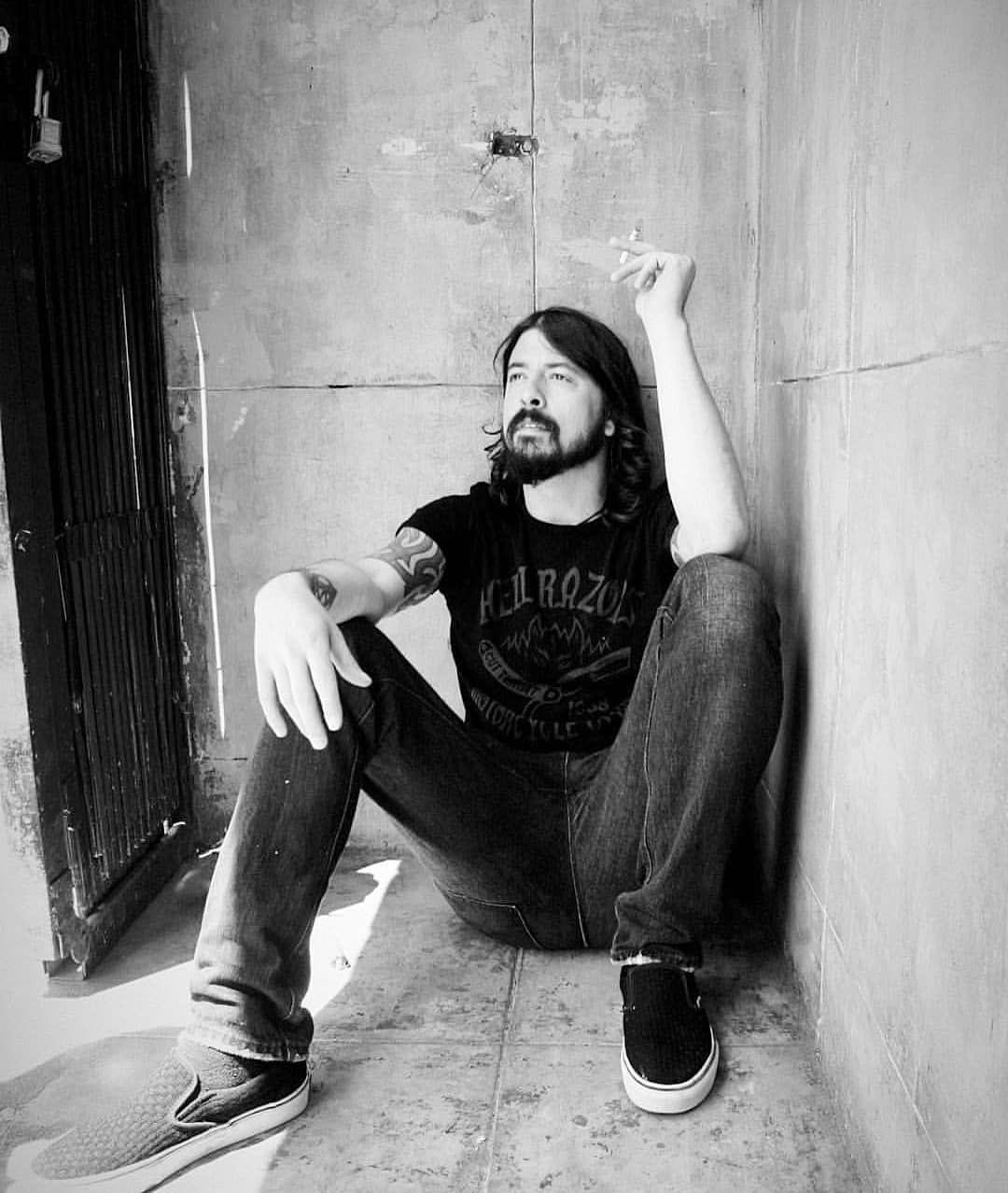 Happy birthday to the legend that is dave grohl!! <3