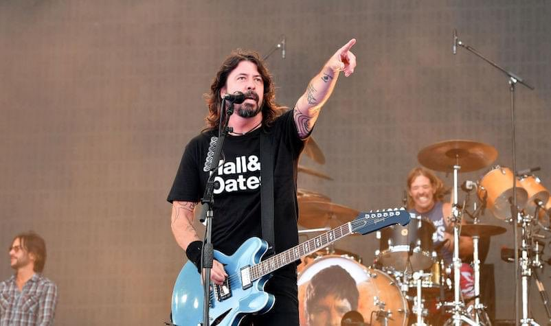 Put on your Hall & Oates shirt and rock the f**k out. Happy birthday, #DaveGrohl! @foofighters<br>http://pic.twitter.com/TXxya0NMv2