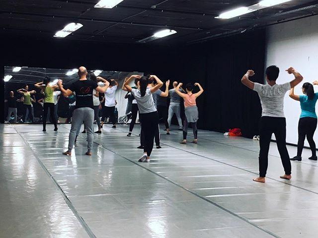 Last night @hybrid_studios_brussels #workshop #contemporarydance #dance #contemporarydancer #afrocuban #salsadancing #brussels #danceclass #artbrussels #belgium #belgique #dansecontemporaine #bruxelles #dans #danse #hybridstudio  https:// ift.tt/2FMBY6O    <br>http://pic.twitter.com/ZwCig5Wlt8
