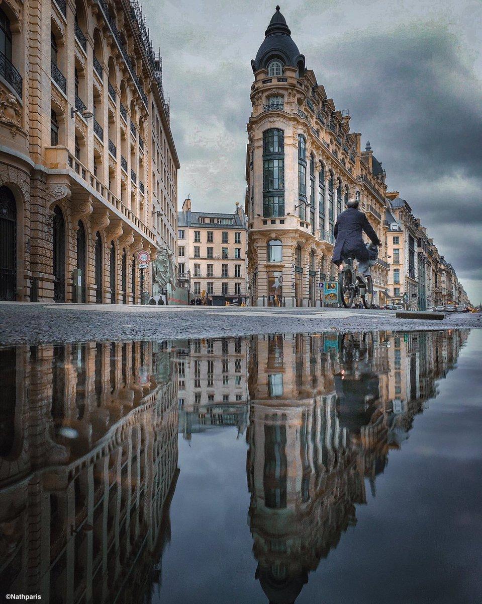 Reflecting Paris by Nathalie Geffroy  #paris #architecture #rueparisienne  Photo © Nathalie Geffroy - Nathparispic.twitter.com/xfAn8b5GR7