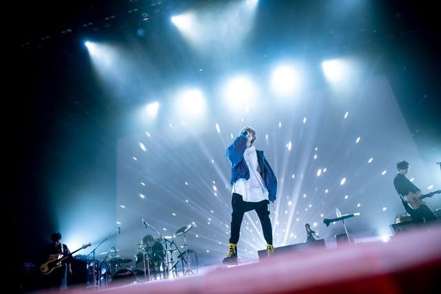 【ライブレポート】Eve、5000人が熱狂した圧巻のツアーファイナル「心の中で残り続ける」(写真11枚)