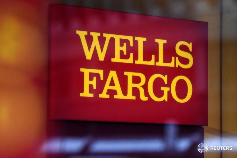 Wells Fargo reports a slump in fourth-quarter profit, as the fallout from a sales scandal that erupted in 2016 drove the bank to set aside another $1.5 billion toward legal expenses https://reut.rs/36ShJ3R $WFC