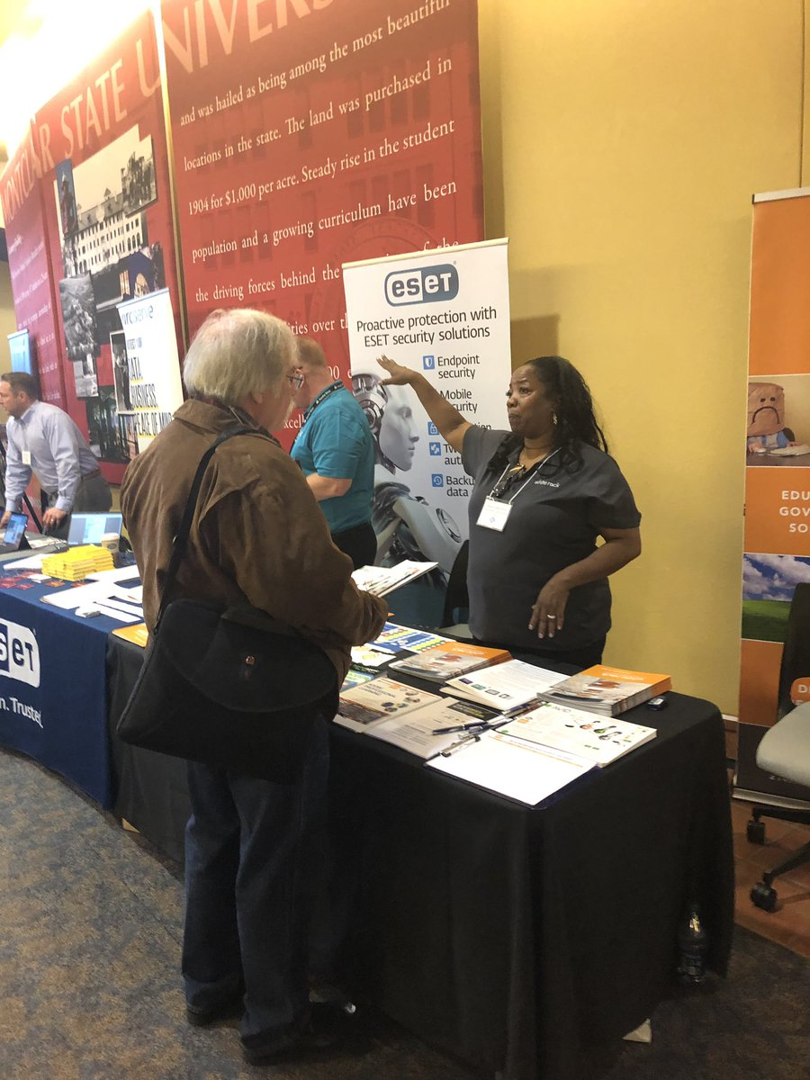 One of the many outstanding vendors in deep discussion with a #NJECC member. #njecc2020 <br>http://pic.twitter.com/EYyMoLhXJe