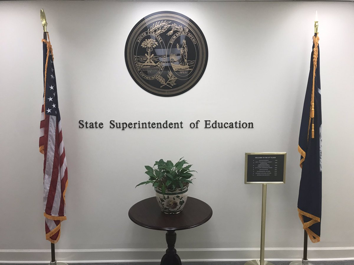 Congratulations to @SVBeeBio for being recognized by @EducationSC and @Molly_Spearman as a state finalist for the National Science Foundation's Presidential Award for Excellence in Mathematics and Science Teaching (PAEMST). @SV_Vikings @RichlandTwo #PAEMST https://t.co/jYixbje8St