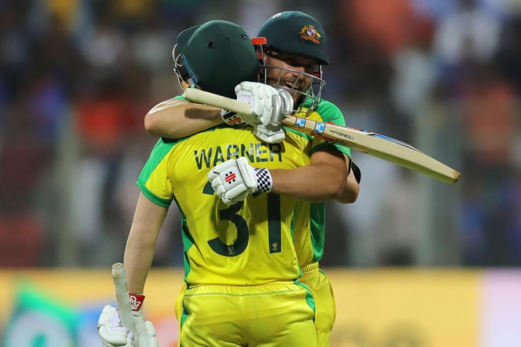 Australia win by 10 wickets 🔟An unbelievable effort from Aaron Finch and David Warner 🤯#INDvAUS