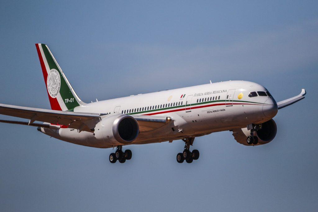 Más De 19 Millones De Pesos Perdidos Por Mantener Al  Avión Presidencial en E.U. Y Ahora de Regreso a México.