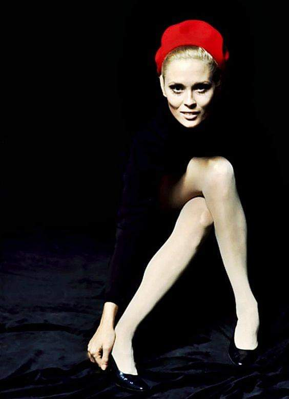 Happy birthday Faye Dunaway.