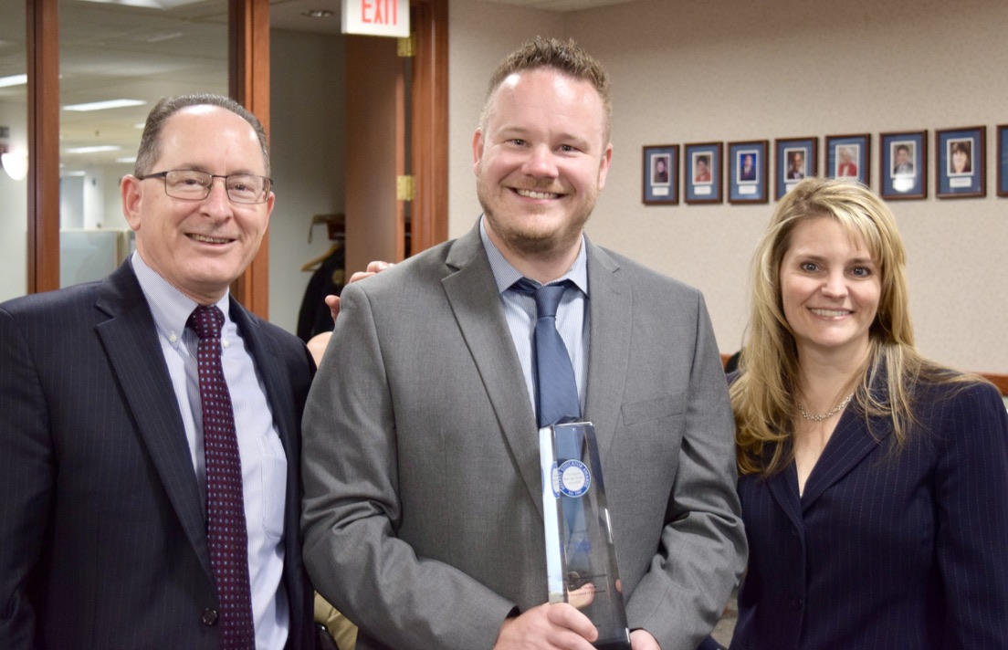 The State Board of Education today recognized @nickperuski - CTE Coordinator and Teacher at @LakelandLHS in @HuronValleyNews and Michigan's 2019 @Milken Educator Award recipient!  Check out Nick's surprise assembly   http:// ow.ly/XMZD50xVc4g      #proudMIeducator #PME #MilkenAward <br>http://pic.twitter.com/g7qzo4kmED