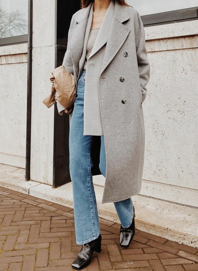 The outfit may look simple but the boots are something else! Would you wear these boots?@modedamour  #styleoftheday#todayimwearing#ootdshare#streetstyle#styleiswhat#instafashionista#fashionposts#todaysoutfit#luxurystreetwear#urbanstreetwear#outfitoftheday pic.twitter.com/4zijIoschY