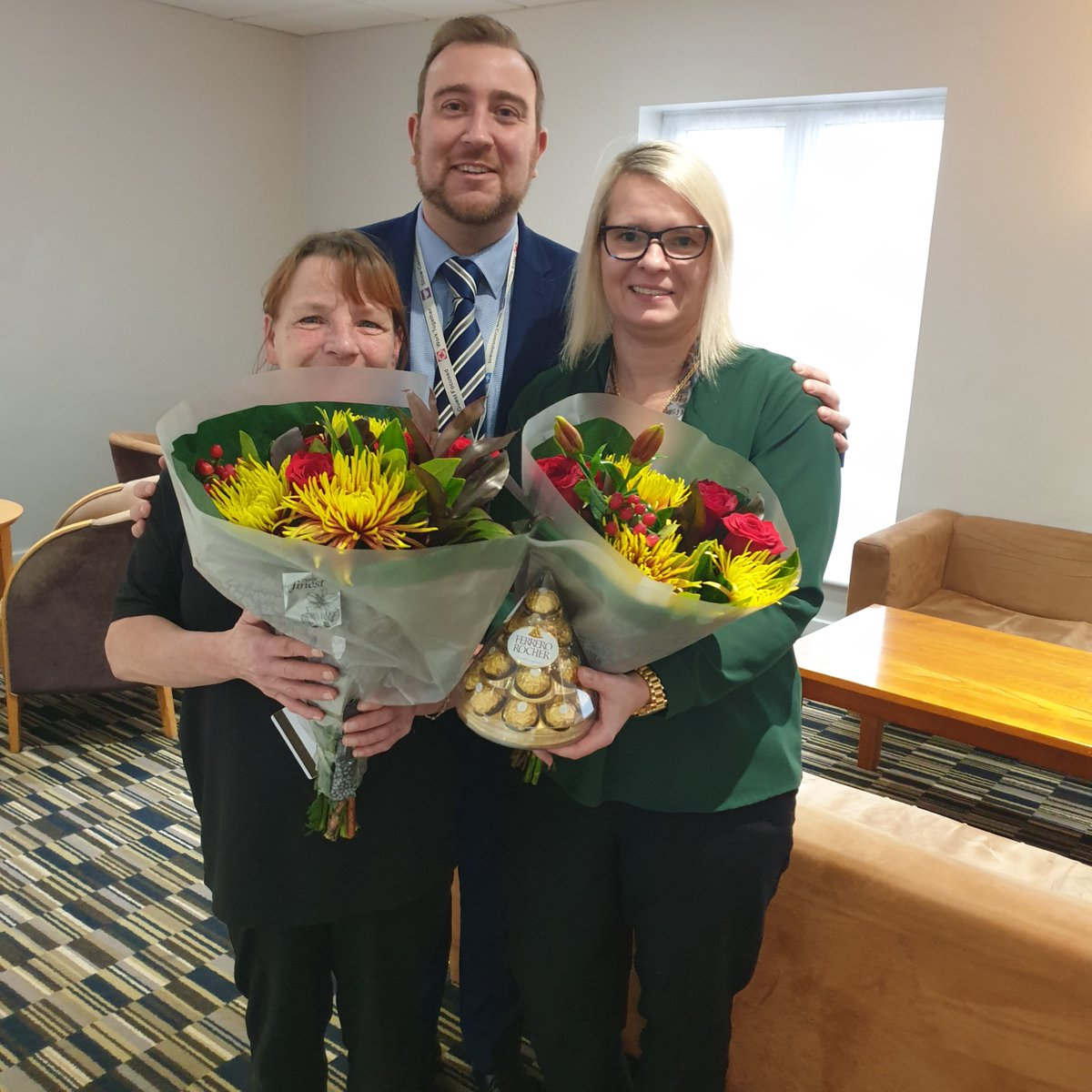 Well done to Magdalena Makowska and Joyce Tweedale at the HI Express Manchester East for receiving an appreciation gift from the GM for improved guest scores!  #Housekeeping #Hotels #OneBestWay #WGC #Team #LoveToClean  #HotelHousekeepingpic.twitter.com/eEMnDfsUtN