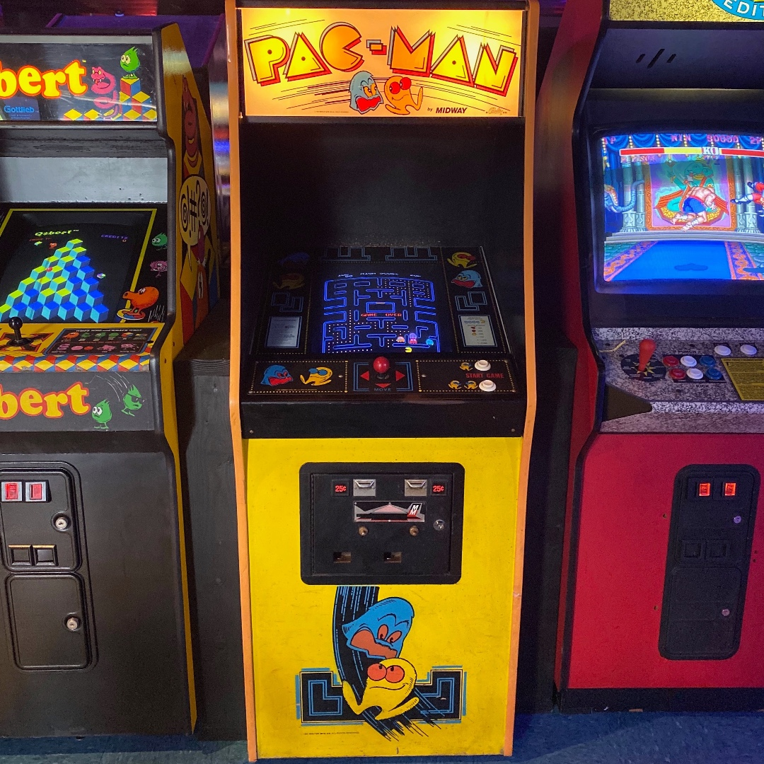 The #GoldenAge #Classic that defined 80s arcades, Pac-Man was released on October 10, 1980.   This game most affected popular culture in North America. Its release in 1980 caused such a sensation that it initiated what is now referred to as Pac-Mania  #pacman #arcadebar #triviapic.twitter.com/X9LYISTVhj